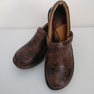 B.O.C Women's Peggy Brown Clogs NEW